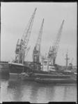 1976-7015 Schepen aan de kade van de Binnenhaven, bij de Firma A. Vijfvinkel.