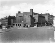 1987-212 Gezicht op de N.H. Mathenesserkerk aan de Allard Piersonstraat, op de hoek van de Van Cittersstraat (rechts).