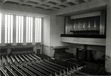 1987-214 Gezicht in de N.H. Mathenesserkerk aan de Allard Piersonstraat.