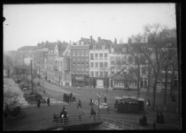 2008-5153 Schiekade met op de voorgrond het Hofplein met een paardentram.