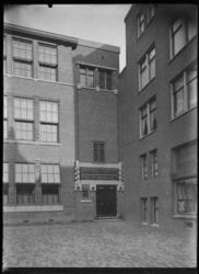 2008-5251-01 De Christelijke school voor U.L.O. aan de Zoutziederstraat.
