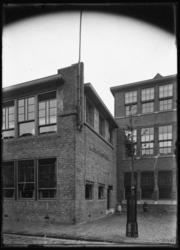 2008-5251-02 De Christelijke Bewaarschool en U.L.O. aan de Zoutziederstraat.