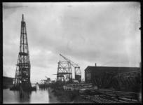 2008-5253 Bok Titan bij Keilehaven met links de N.V. Nederlandsche Staalindustrie aan de Keileweg nummer 40.