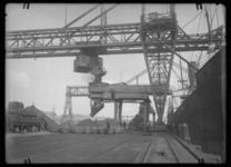 2008-5268-02 Thomsen's havenbedrijf aan de Maashaven.