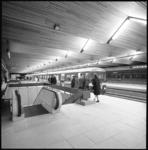 10147-2 Publiek kan kennismaken met het metrostation Zuidplein waar een metrotrein werd opgesteld.