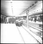 10147-3 Publiek kan kennismaken met het metrostation Zuidplein waar een metrotrein werd opgesteld.