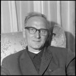 10190 Pater T.H.A. Thulen naar de Alexanderpolder als bouwpastoor.