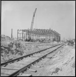 10221 Stalen skelet nieuwbouw opslagloods Prinses Beatrixhaven.