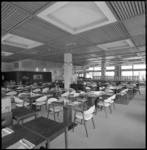 10227-4 Overzicht restaurant Skyway hotel.
