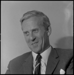 10369 Portret van prof. mr. I.A. Diepenhorst, vanaf 18 september de nieuwe rector van de Nederlandse Economische ...
