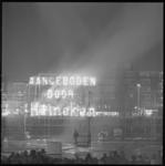 10636-3 Vuurwerk met tekst van Heineken, ter gelegenheid van de opening van de metro.