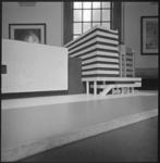 10665 Maquette van uitbreiding aan de Coolsingel, met gevel van de Bijenkorf, de Cineac en nieuwbouw richting hotel Atlanta.