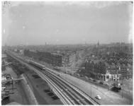 10752 Panorama van de Afrikaanderwijk en metrobaan ter hoogte van de Maashaven-Oostzijde, richting Paul Krügerstraat.