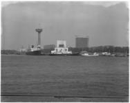 10808 Foto van Nieuwe Maas, gemaakt vanaf Charloisse Hoofd richting Parkkade en Parkhaven.
