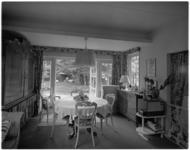 10815-2 Eethoek in woonhuis Eduard Flipse aan de Rozenburglaan 70.