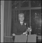 10899-1 Afscheidsspeech van prof. dr. J. Tinbergen als directeur van het Nederlandsch Economisch Instituut.