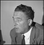 10902 Portret van mr. V.G.M. Marijnen, voorzitter van Openbaar Lichaam Rijnmond.
