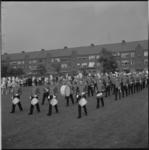 10933 Excelsior drumfanfare jubileert en treedt op aan het Nachtegaalplein in Charlois.