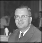 10960 Portret van dr. H.C. Bos, van het Nederlandsch Economisch Instituut