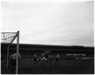 1123 Spelmoment uit de voetbalwedstrijd Sparta - V.V.V.