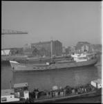 11482 Sportvisserij-coaster 'Cascade' in de haven van Vlaardingen.