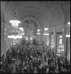 11797 Overzichtsfoto Burgerzaal, vanaf het orgel, van de Oudejaarsbijeenkomst Havenvereniging Rotterdam.