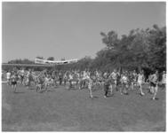 11921 Jeugdige deelnemers bij de start van de C'70 Zuiderparkloop.