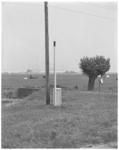 11969-2 Snuffelpaal, door de Meldkamer Luchtverontreiniging en Geluidshinder Rijnmond geplaatst in een landelijke ...