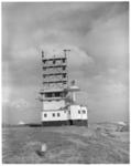 120 Observatiepost van en voor het scheepvaartverkeer aan het begin van de Noorderpier in Hoek van Holland.