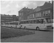 12018 Bejaardenvereniging Delfshaven gaat een dagje weg en vertrekt met autobussen van MEGGA vanaf het Bospolderplein.