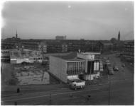 1205-2 Sloop van de diverse noodwinkels Bentinckplein-Walenburgerweg in de wijk Blijdorp, het winkelpand van H.H. de ...