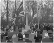 12055-2 Britse vlag wordt gehesen op de begraafplaats Crooswijk in verband met ABTA-congres (organisatie van Britse ...