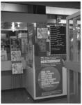 12130-2 Kaartverkoop concerten bij platenzaak Disk aan de Van Oldenbarneveltplaats 450.