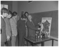 12239-3 Onderricht wijnkennis op de Zomerhof vakschool.