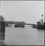12360 Gouwebrug spoorbrug bij Gouda over riviertje de Gouwe.