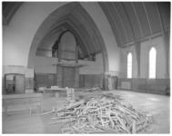 12466 Interieur met orgel van de hervormde Oranjekerk aan de Rozenlaan in het Kleiwegkwartier.