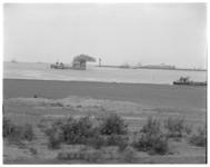 12496 Toegang Europoortgebied en mond van de Nieuwe Waterweg bij Hoek van Holland.