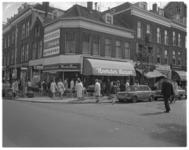 12536 De Noorder Bazar (speelgoed en huishoudelijke artikelen) op de hoek Noordmolenstraat / Tollensstraat in het Oude ...