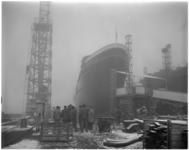 1264 Zeesleper Tasman Zee in aanbouw bij scheepswerf L. Smit & Zn. in Kinderdijk.