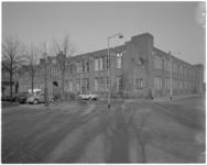 12727 Bedrijfspand van de Nederlandse Kleeding Industrie N.V. aan de Berkelselaan 97.