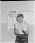 12765 Bokser Harry Bogaerts poseert in Gebouw Odeon.