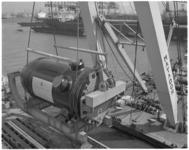 12841 Transport van een reactorvat vanaf Rotterdamsche Droogdok Maatschappij (RDM) met bok Matador.