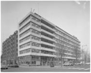 13028 Uitbreiding gebouw Sociale Dienst hoek Admiraliteitskade en Willem Ruyslaan in Kralingen. Links staat het ...