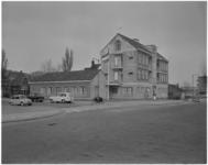 1308-1 Politiebureau (posthuis) Overschie en woonhuizen aan de Burgemeester Baumannlaan 190 hoek Hoornweg.