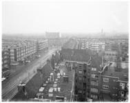 13095 Overzicht wijk Bergpolder met de Bergselaan en links de Treubstraat en Heemskerkstraat. Op de achtergrond: de ...
