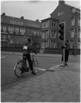 1340 Verkeersexamen voor scholieren in hoogste klassen met heuse stoplichten in de omgeving van de Bentincklaan.