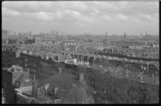 1475-2 Panorama vanaf de RVS-flat aan de Beukelsdijk richting centrum over de wijken Middelland en Oude Westen.