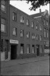 1623 Veilinglokaal in het voormalige Huize Padua aan de Rechter Rottekade 65 in wijk het Oude Noorden.