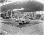 163-1 Stand van Joh. de Heer op de Femina, afdeling autoverkoop.