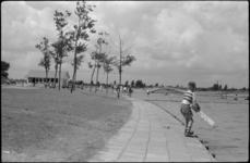 1672 Strandbad (Kanovijver) bij de Oldegaarde in het Zuiderpark.